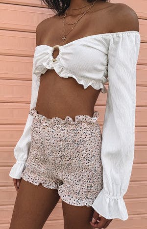 https://files.beginningboutique.com.au/Bohemian+Shirred+Shorts+Pink+Floral.mp4