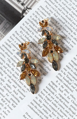 Eclat Caris Rhinestone Earrings Gold