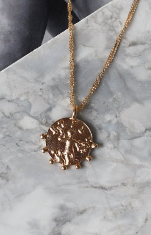 Eclat Noble Man Charm Necklace Gold