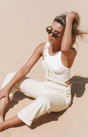 https://files.beginningboutique.com.au/Indigo+Overalls+Beige.mp4
