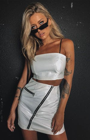 https://files.beginningboutique.com.au//Viva+Skirt+White.mp4