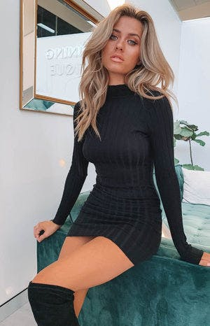 https://files.beginningboutique.com.au/Suzie+Ribbed+Fitted+Dress+Black.mp4