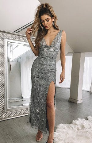 https://files.beginningboutique.com.au/VENICE+FORMAL+DRESS+Silver+Sparkle.mp4